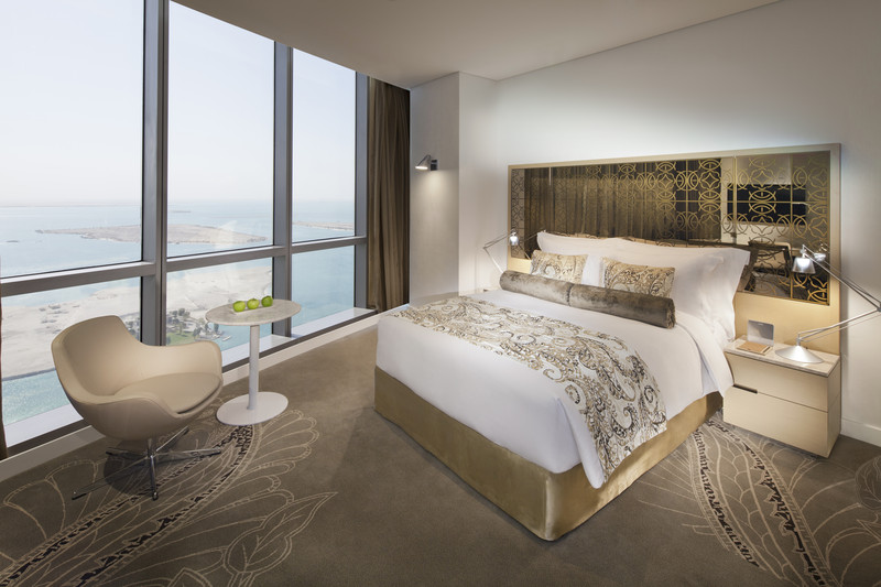 Jumeirah_at_Etihad_Towers_-_Tower_Queen