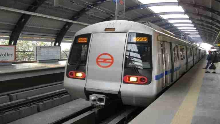 Kejriwal Centre Resuming Metro