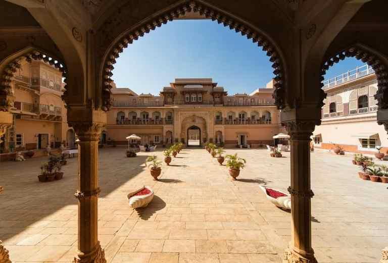 Rajasthan Tracking British Tourists