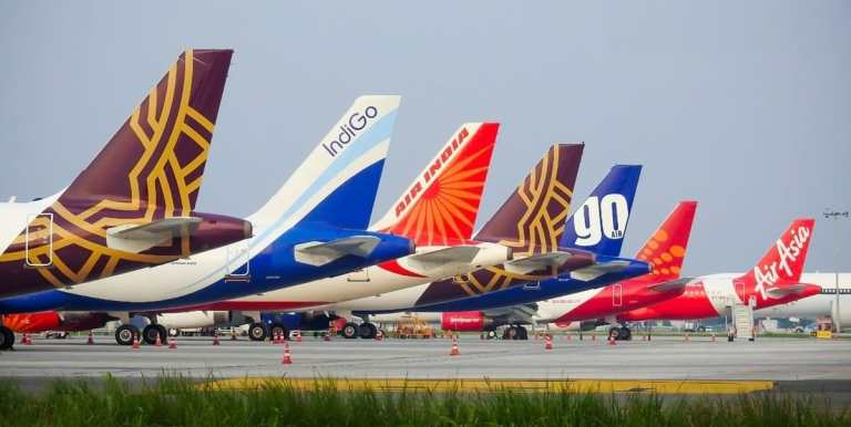 Indian Airlines Reports Losses