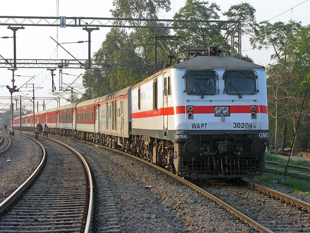 Railway Cancel 74 Trains Due To Cyclone Yaas