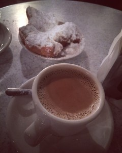 Beignets and cafe au lait (with chicory!) at the iconic Cafe Du Monde