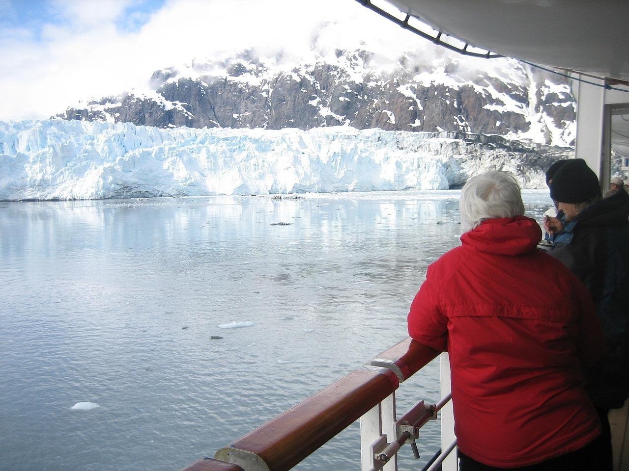 cruise-ship-1253264_1280