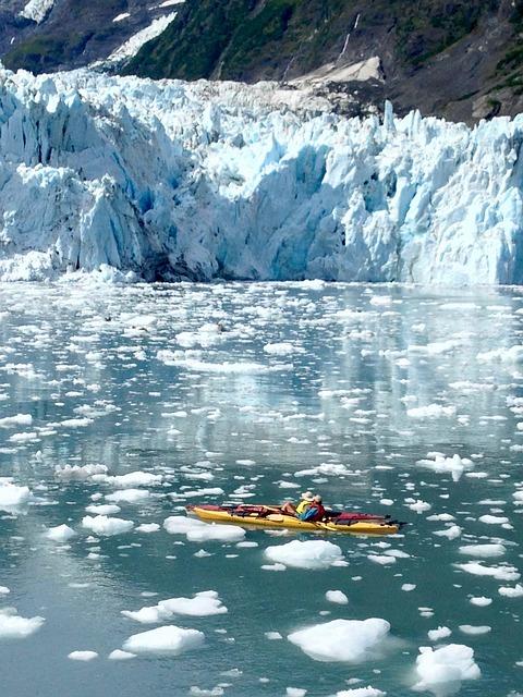 glacier-2687834_640