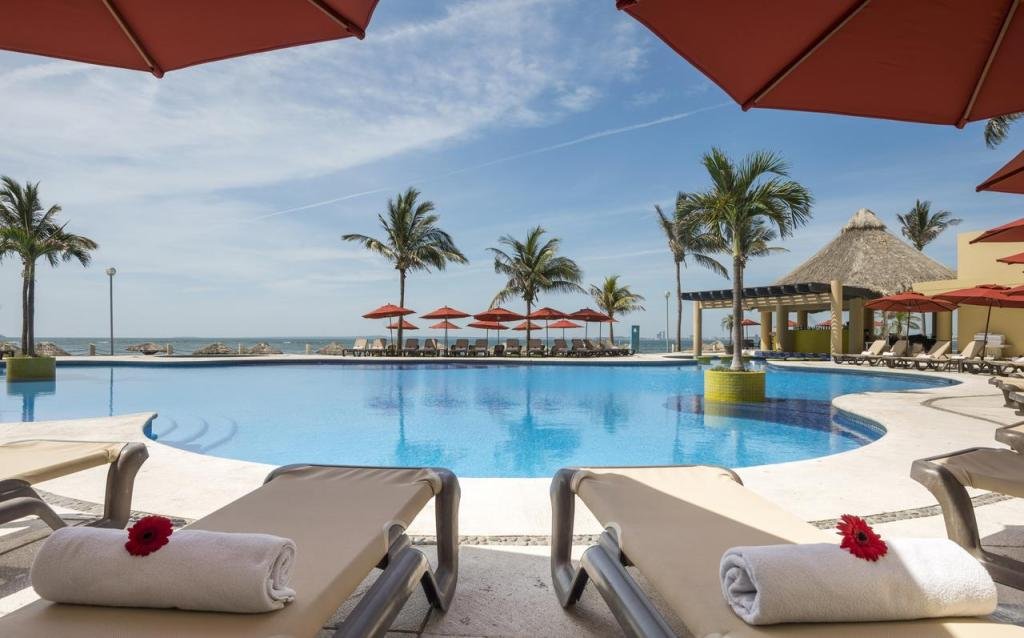 Winter getaway Mexico Ramada Camino Real