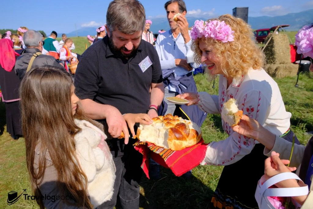 現場還可一嘗傳統的麵包。