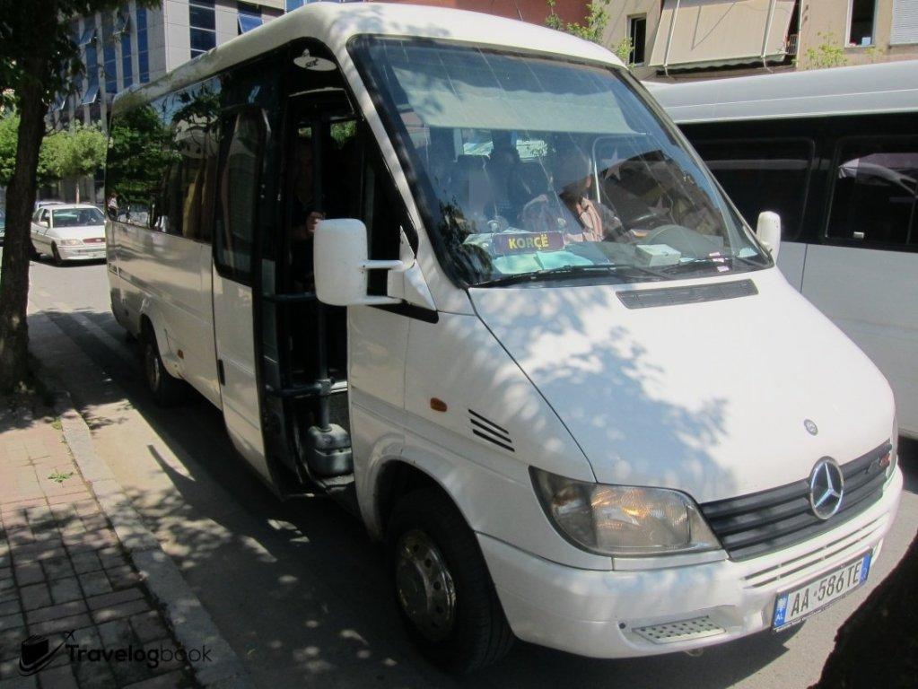 前往Korçë的Mini Bus。