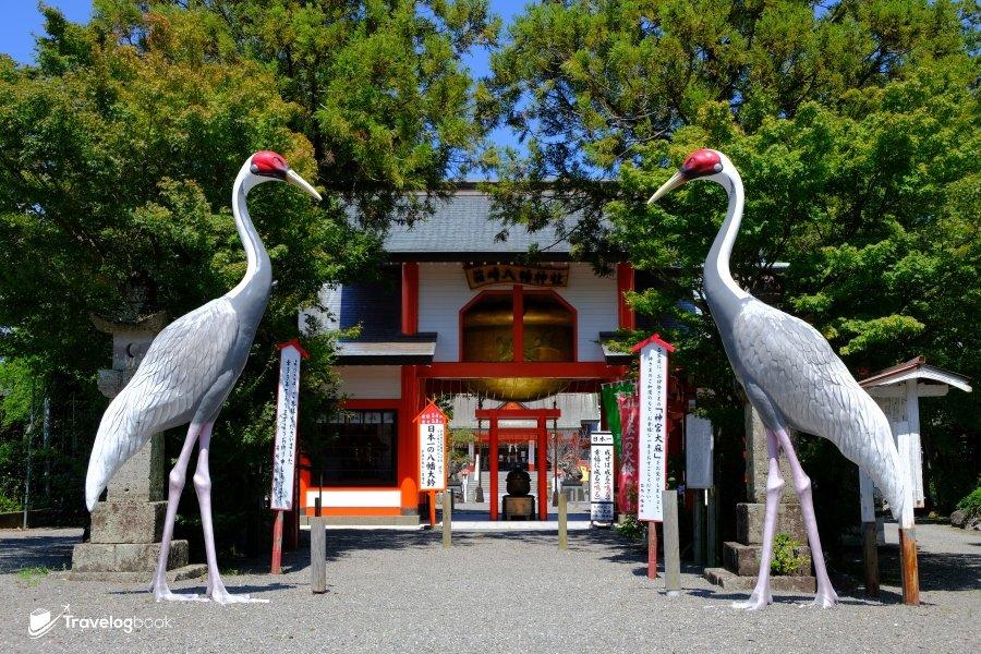箱崎八幡神社的正門,既有代表性的鶴,日本一的巨大鈴鐺亦掛於其上。