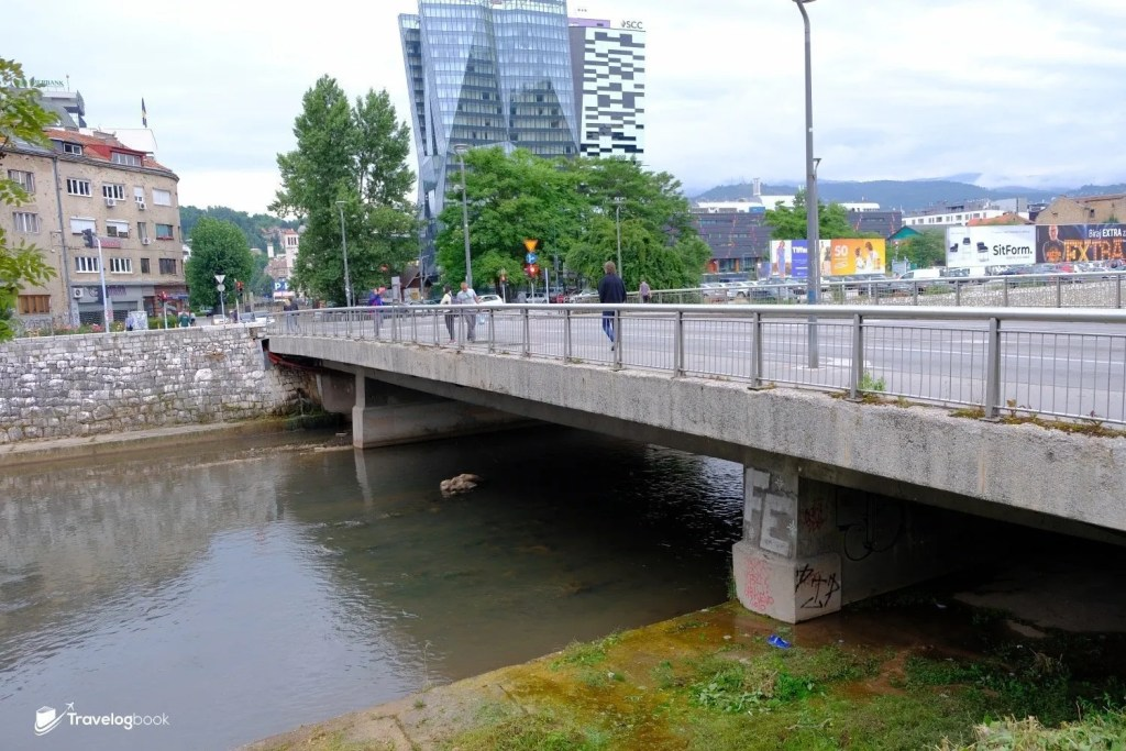 外表平凡的橋,卻有着不平凡的過去。