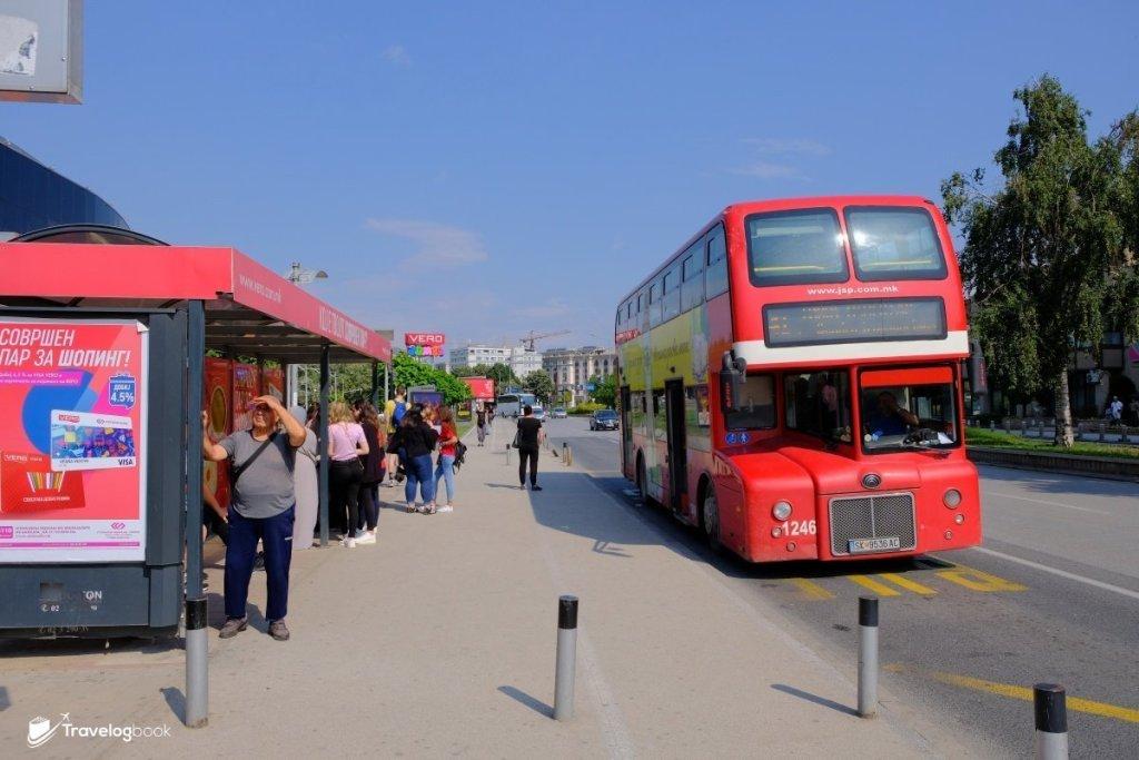 懷舊款式的倫敦巴士。