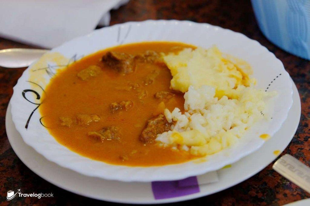 Gulash燉牛肉,可以配飯或薯茸。