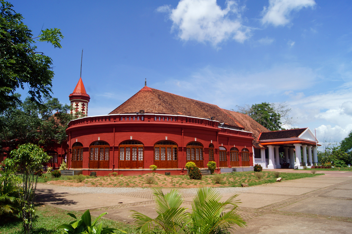 Top 8 Places/Tourist Attractions/Points of Interest to Visit in Kerala