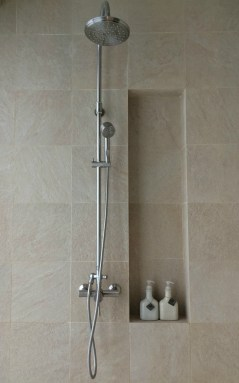 amorita-resort-shower
