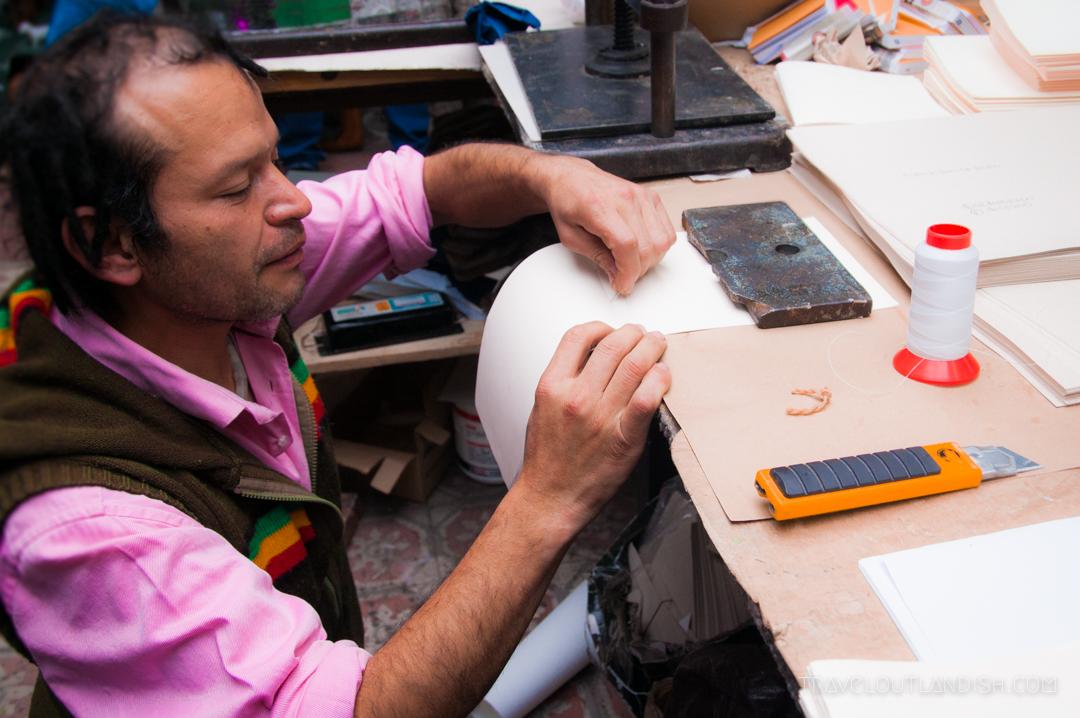 Notebook making at Ricardo Corazon de Papel in Bogotá