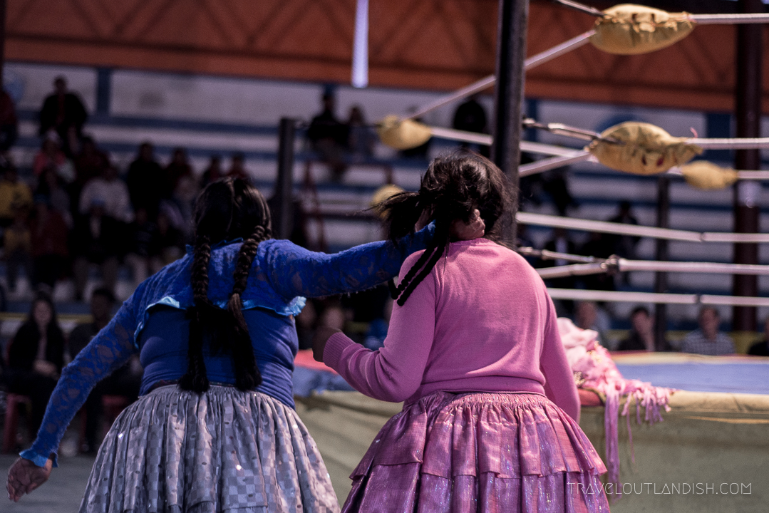 Cholitas Wrestling - Braid Pulling