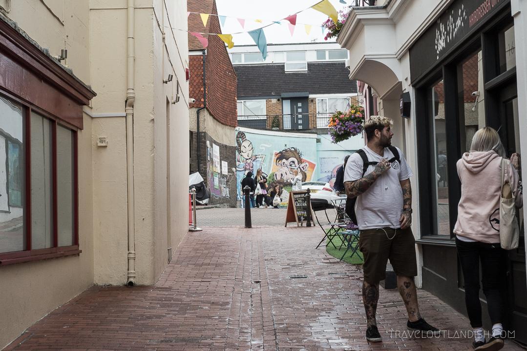 Things to do in Brighton - Street Scene