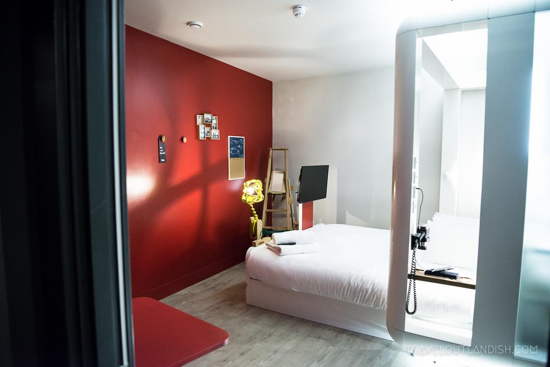 Unusual Hotels in London - Qbic Room
