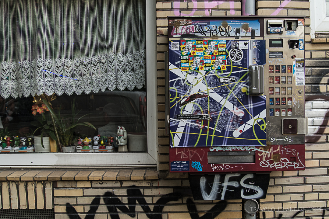 Cool Things to do in Hamburg - Cigarette Vending Machine