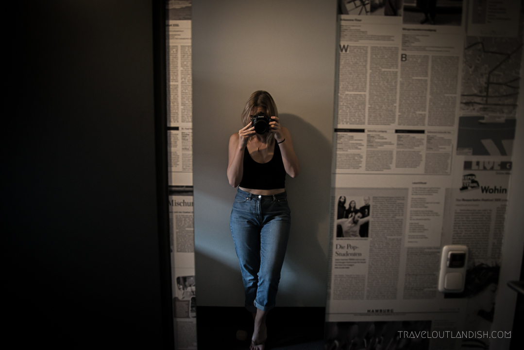 Hostels in Hamburg - Taylor in the Mirror at Superbude St. Pauli