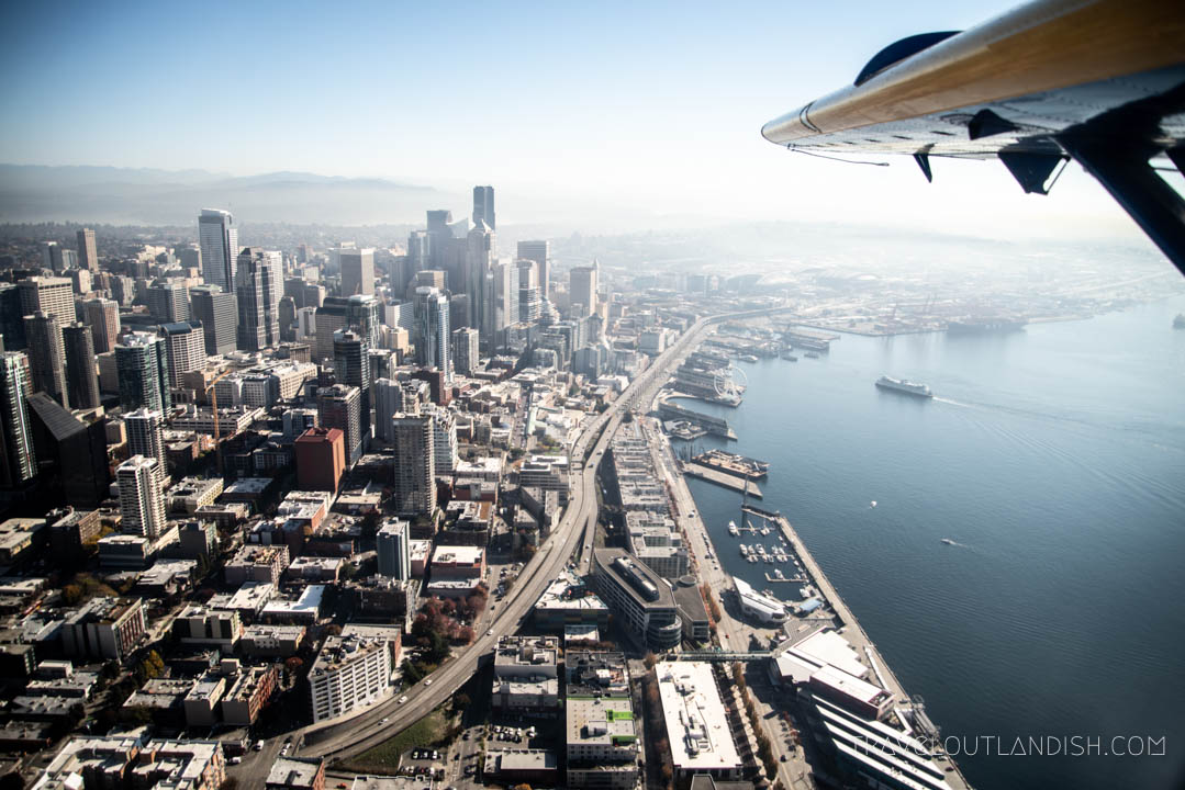 Seaplane Seattle - View of Seattle Skyline with Kenmore Air