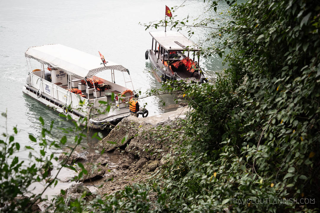 Excursions on Halong Bay with Bhaya Cruises