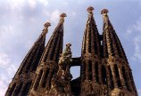 Towering spires at the Temple de la Sagrada Familia