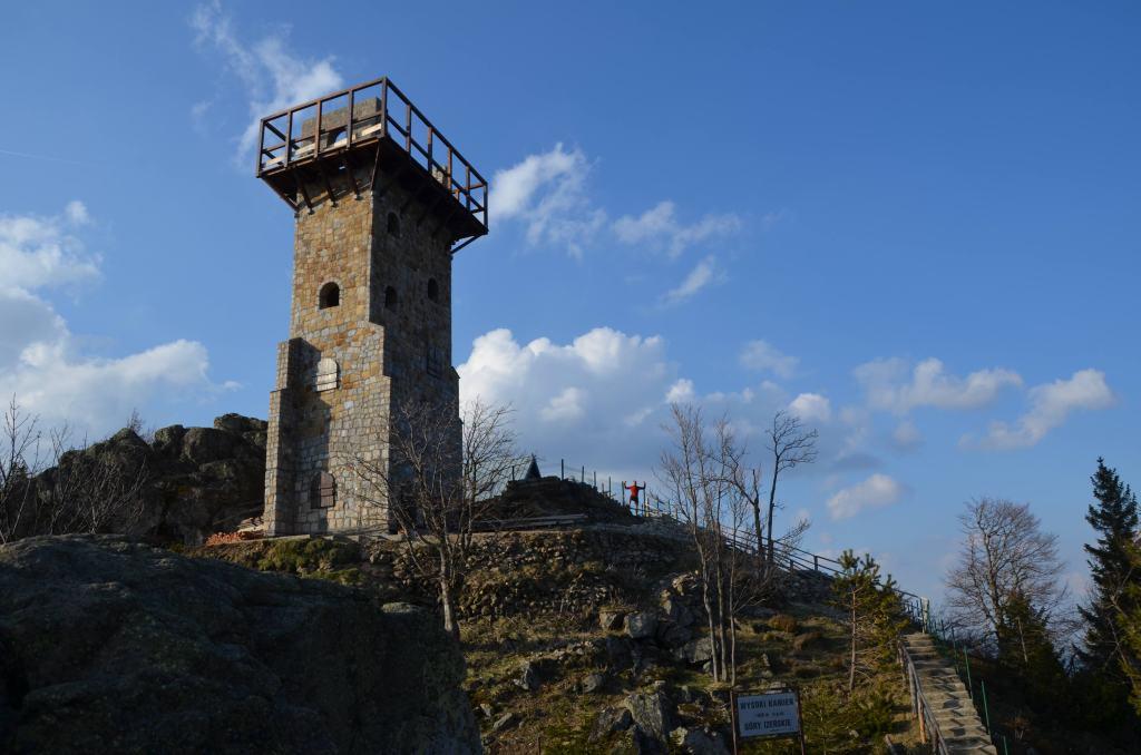 Wysoki Kamień wieża widokowa