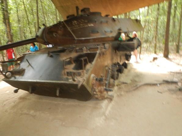 Tank peninggalan perang Vietnam