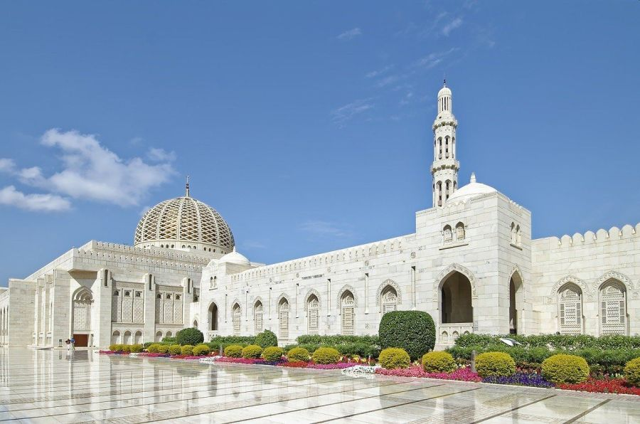 Things to do in Oman Number 2 - Visit Sultan Qaboos Grand Mosque