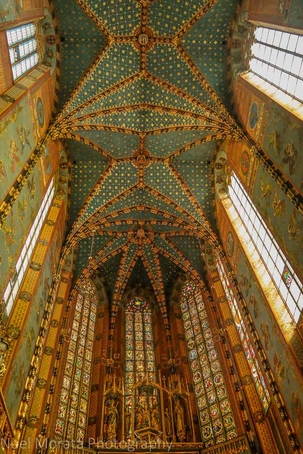 Krakow highlights in one day - Krakow Cloth Hall on the main square - Krakow, Poland - a first impression, majestic ceilings