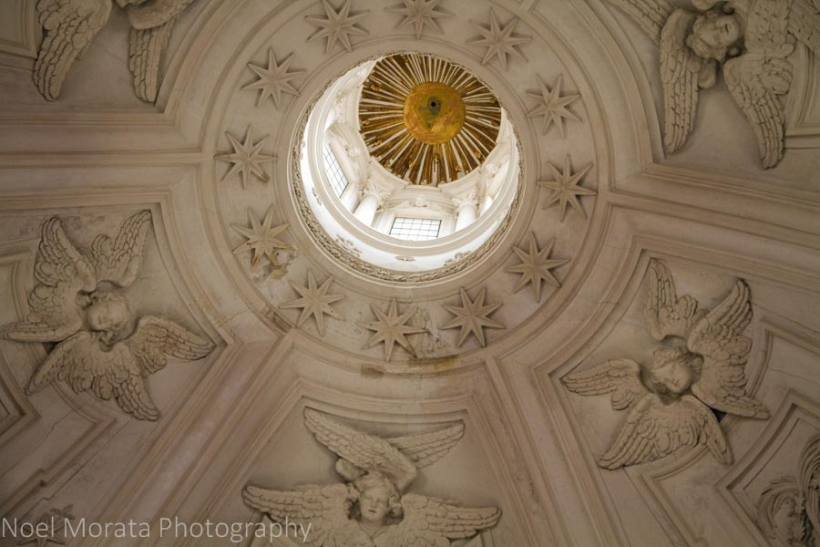 Gorgeous angels and stars to this unknown basilica in Rome
