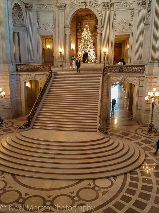 Getting married at city hall - Christmas in San Francisco