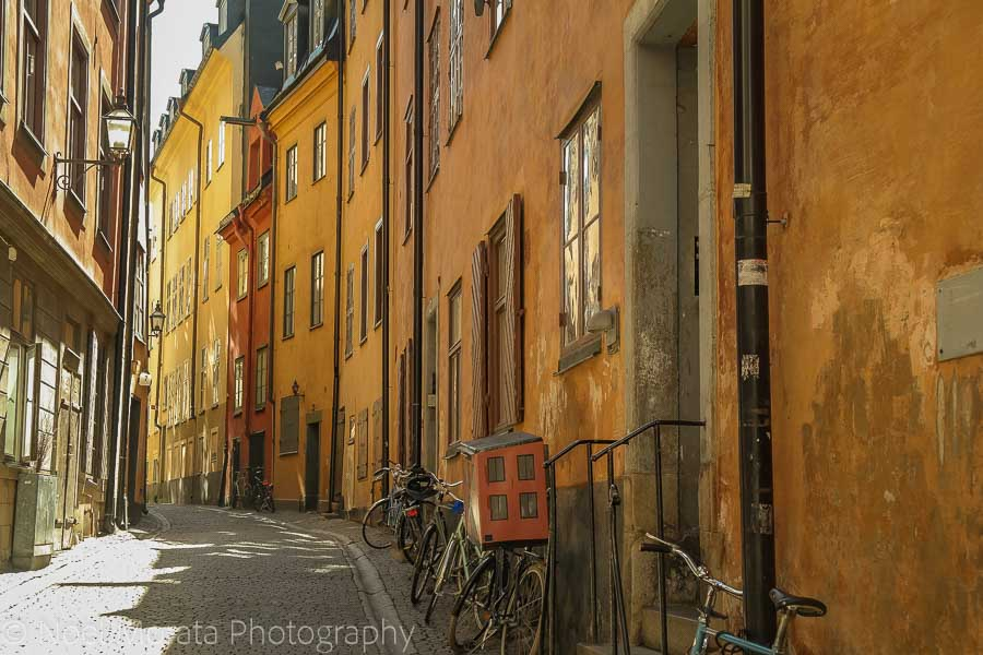 Narrow streets and shops in Gamla Stan - Visiting Stockholm - a first impression