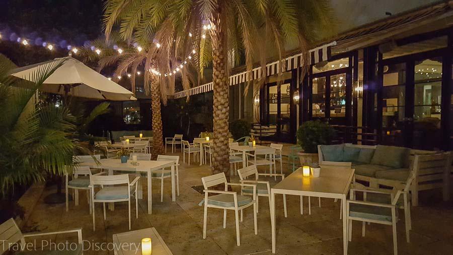 Hotel Astor courtyard at night