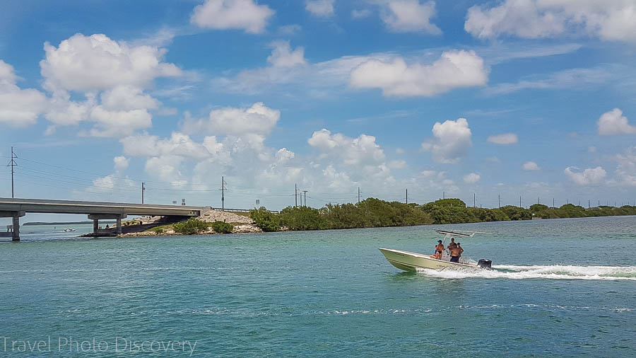 Boating along the Islamorada coastline, Florida Keys