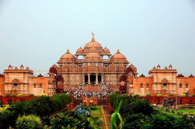 7 Magnificent Temples of India akshardham-temple
