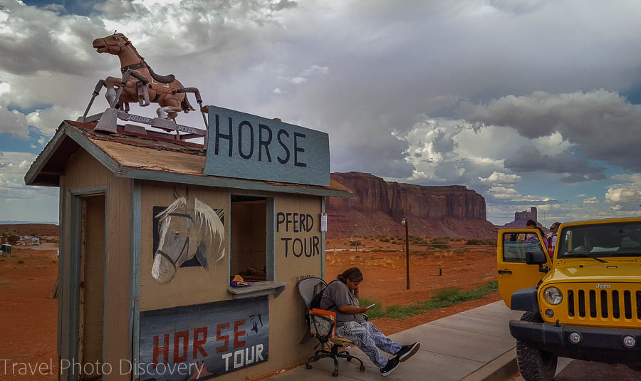 Horse rides and jeep tours at Monument Valley Navajo tribal park