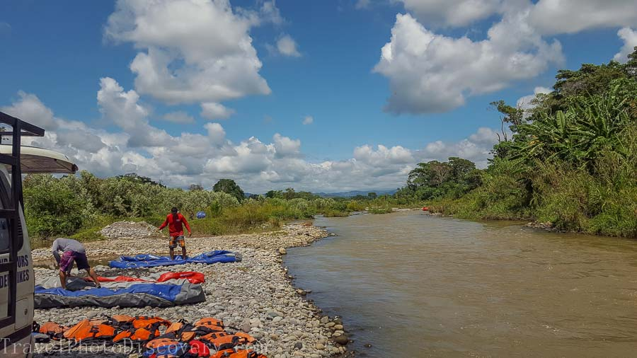 Packing up the rafts with Boquete white water rafting tours