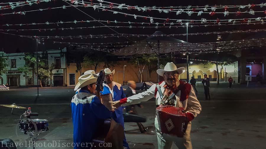 Mariachis at Garibaldi Square at night Mexico City