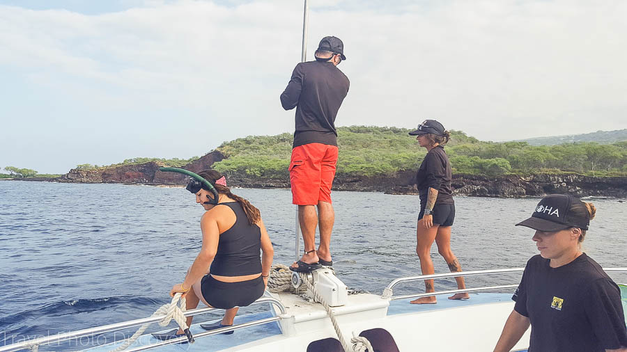 Anchoring at Red Rocks with Body Glove snorkel cruises