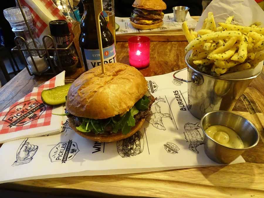 Firma Pickles Burgers & Wines