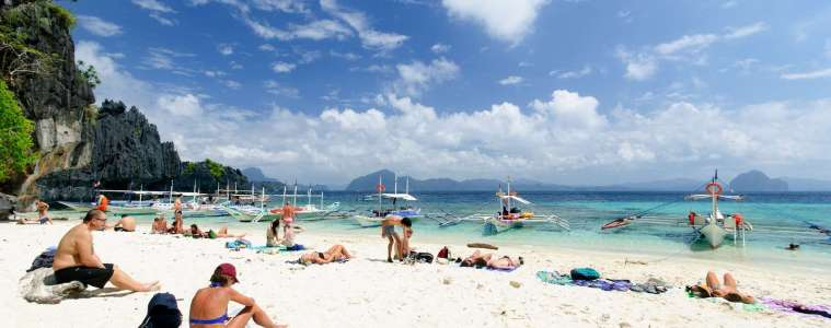 Sunbathers at Simizu Island, El Nido