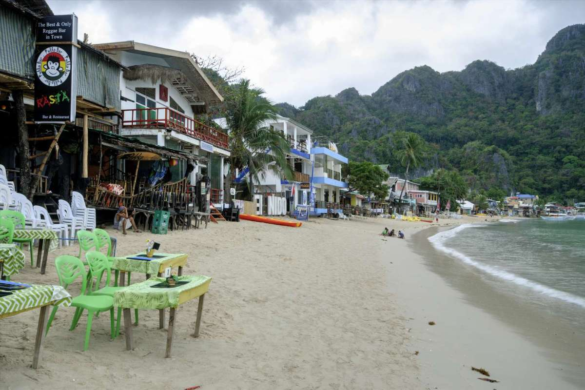 El Nido Beach comes alive at night