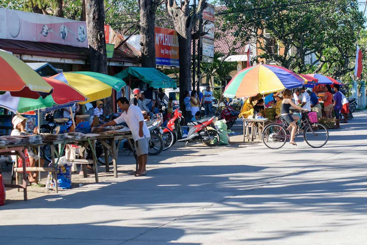 Market day in downtown Santa Fe, Bantayan Island