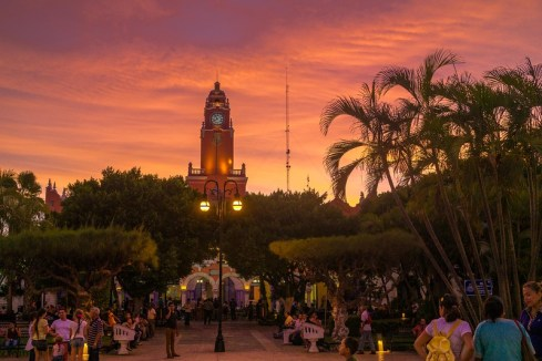 Sunset in the Parque Central