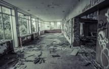 Abandoned Hotel Highway - Travelpixels