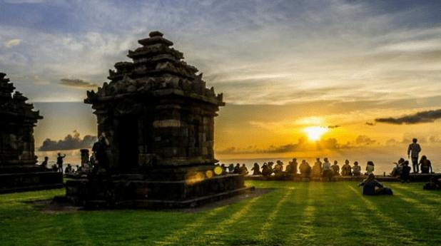 Candi Ijo spot wisata sunset jogja