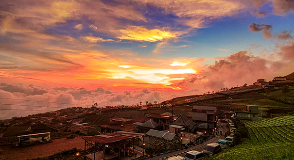 wisata Nepal Van Java