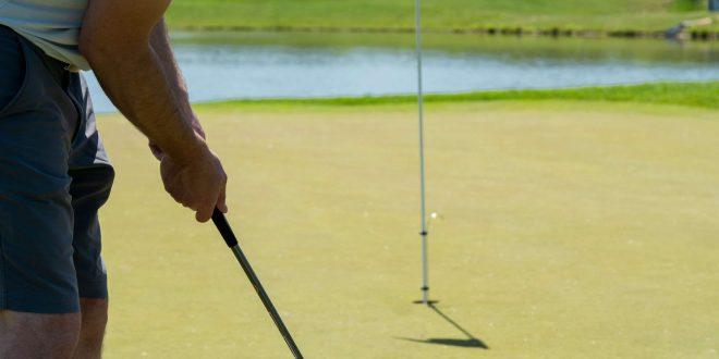 mau belajar main golf ini 3 manfaat yang akan anda rasakan scaled - Icha Trans - Mau Belajar Main Golf? Ini 3 Manfaat yang Akan Anda Rasakan