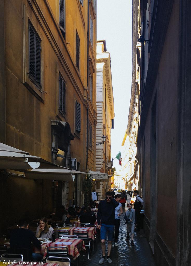 Những ngõ nhỏ ở Rome